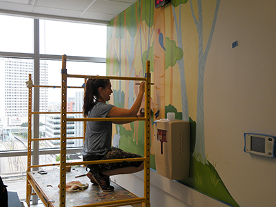 artist painted texas childrens hospital room wall